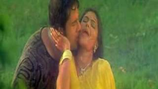 getlinkyoutube.com-rinku rain song yellow saree