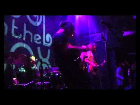 Fool In The Box live στο Six D.o.g.s (Α' Μέρος) (3-12-2013)