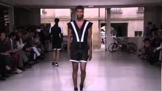 getlinkyoutube.com-Issey Miyake Men's Spring/Summer 2013 Full Fashion Show.