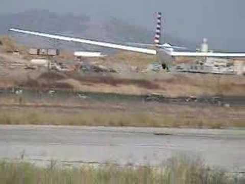 Crosswind full-slip glider landing