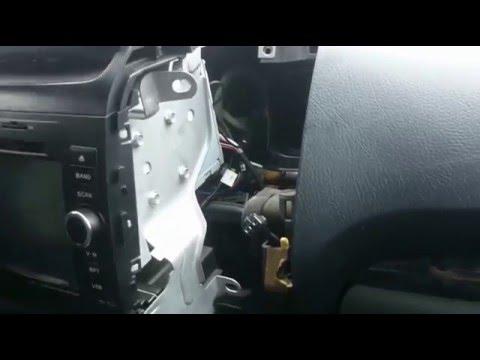 Расположение предохранителя вентилятора печки у Toyota Хайлюкс Сурф