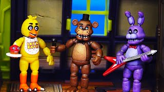 getlinkyoutube.com-Scooby and Shaggy Spend Five Nights At Freddy's with Haunted House and FNAF Toys and Playsets