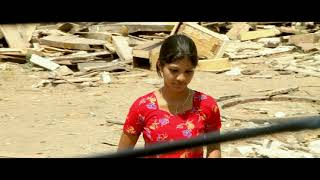 getlinkyoutube.com-Railway Station Movie Scenes - Shiva and Sravani dancing in train - Sandeep, Shravani