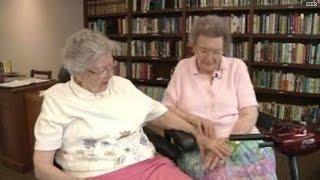 getlinkyoutube.com-Elderly lesbians finally 'come out', marry
