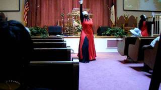 getlinkyoutube.com-Praise dance to Now Behold the Lamb by Kirk franklin