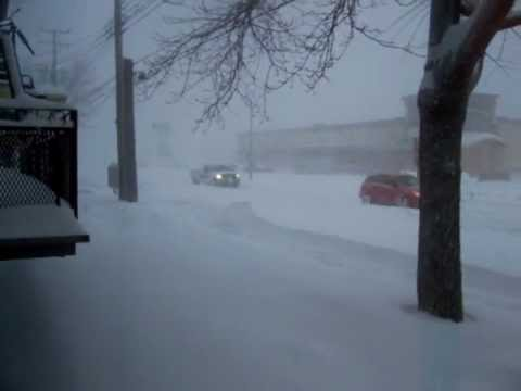 عاصفه ثلجيه تجتاح كندا