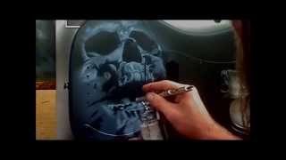 getlinkyoutube.com-Airbrushing A Skull Guitar