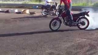 getlinkyoutube.com-AUTO GIRO Manobras Motos Esquentado os pneus Wheeling Freestyle Autodromo De Campo Grande Ms
