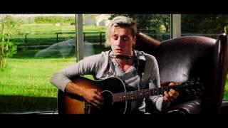 getlinkyoutube.com-Skylar Bouchard - From Me To You (live)