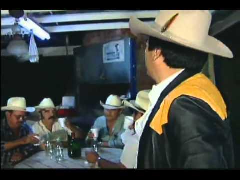 """Beto Quintanilla - las Aguilas andan solas """"Video Oficial"""""""