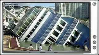 getlinkyoutube.com-Yacht accident Compilation, boat disaster, boat cr