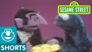 getlinkyoutube.com-Sesame Street: Cookie Monster And Count Cooperate