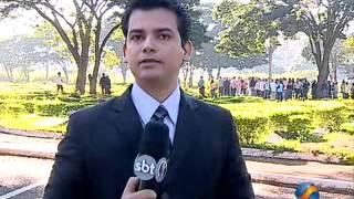 getlinkyoutube.com-Velório da Denise, esposa de Adolfo Campos