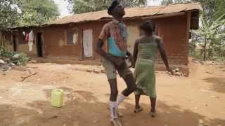 getlinkyoutube.com-Comedians dancing to MARIAROZA by EDDY KENZO.