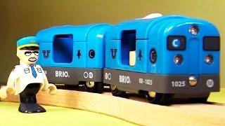 getlinkyoutube.com-Мультик для детей про поезда, электрички и самолет - Рабочее утро города Брио