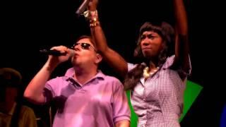 getlinkyoutube.com-Gorillaz Live at Glastonbury (HD) - DARE