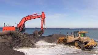 getlinkyoutube.com-Cat D6T Dozer And Hitachi Zaxis 350 Excavator Working On A Land Reclamation Project