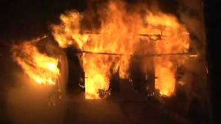 getlinkyoutube.com-Heavy Fire Showing And Reports Of People Trapped In Gary Indiana