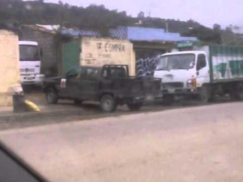 Funcionarios Municipio de Loja vendiendo chatarra en carro municipal 2da parte