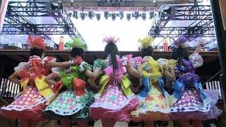 getlinkyoutube.com-特報「ももいろクローバーZ 桃神祭2015 エコパスタジアム大会」舞台裏篇
