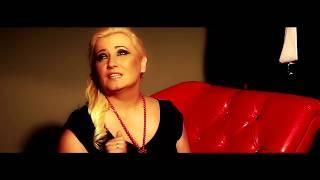 getlinkyoutube.com-Magda Niewińska - W poduszkę wtulam sny (Official Music Video)