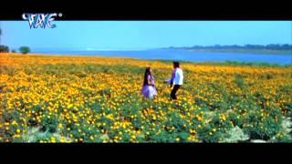 getlinkyoutube.com-दूर हटा नियरा सता - Saugandh Ganga Maiya Ke | Hot Akshra Singh | Bhojpuri Film Hot Song