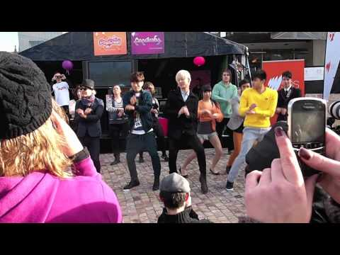 So cool & Gangnam Style Flash mob! SBS Popasia Melbourne