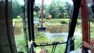 getlinkyoutube.com-Long Reach Excavator Dredging Part 2