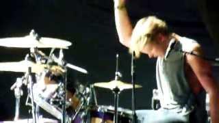 getlinkyoutube.com-Ashton Irwin Drumming (Live)