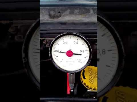 Расположение в Saab 9000 датчика давления масла