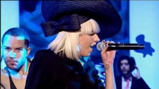 getlinkyoutube.com-Lady Gaga Poker Face Live 2009