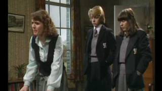 getlinkyoutube.com-GRANGE HILL SERIES 2 - MISS SUMMERS SLAPS CATHY HARGREAVES