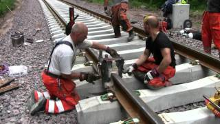getlinkyoutube.com-Railroad thermite welding