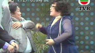 getlinkyoutube.com-TVB 1972年 歡樂今宵 - 肥姐忍不住笑演出 (TVB Channel)