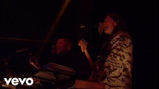 getlinkyoutube.com-Jungle - Busy Earnin' (Live) - Vevo UK @ Bestival 2015