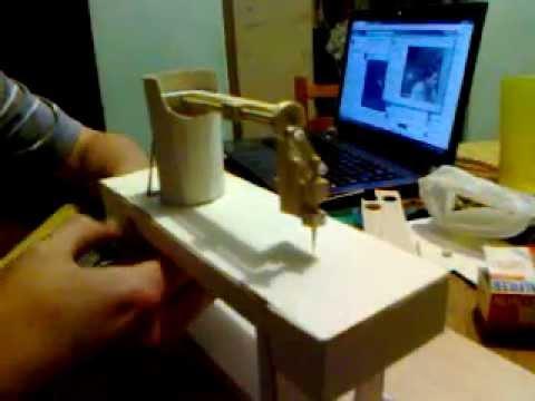 Maqueta maquina de coser con movimiento mecanico