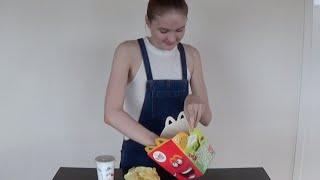 getlinkyoutube.com-McDonald's Happy Meal Challenge!