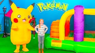 getlinkyoutube.com-POKEMON Assistant Inflatable Bounce House and Ball Pit Pokemon Hunt In Real Life Video