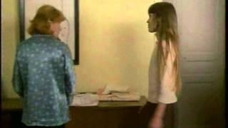 getlinkyoutube.com-Diabolo menthe - j ai mes regles et 2 baffes (1977).avi