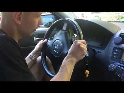 Зняття блоку Airbag заміна значка Honda на кермі Accord 7