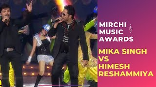 getlinkyoutube.com-Mika Singh and Himesh Reshammiya's Musical takkar at Mirchi Music Awards!