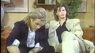 getlinkyoutube.com-Simon Le Bon & John Tohn Taylor Entertainment Tonight interview  - 1984
