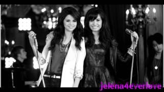 Demi Lovato & Selena Gomez-Last Christmas♥