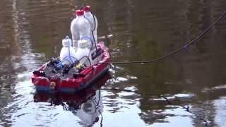 getlinkyoutube.com-Lego pneumatic boat with V4 engine