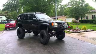 getlinkyoutube.com-Lifted Jeep Grand Cherokee 5.9 ZJ.