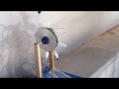 Generador hidroeléctrico casero (con un LED)