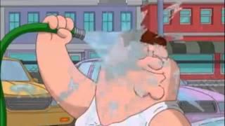 getlinkyoutube.com-Homer Simpson y Peter Griffin - LAVANDO COCHES SEXYMENTE