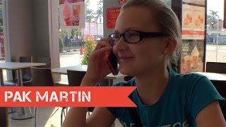 getlinkyoutube.com-Sarah dapat Tekomsel kartu Halo untuk HPnya. | VLOG 180