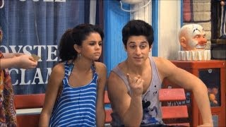 getlinkyoutube.com-Wizards of Waverly Place Funniest Moments Season 4