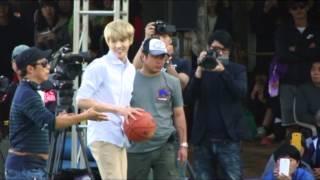 getlinkyoutube.com-[fancam] 131013 Dream Team EXO Kris playing basketball (2)
